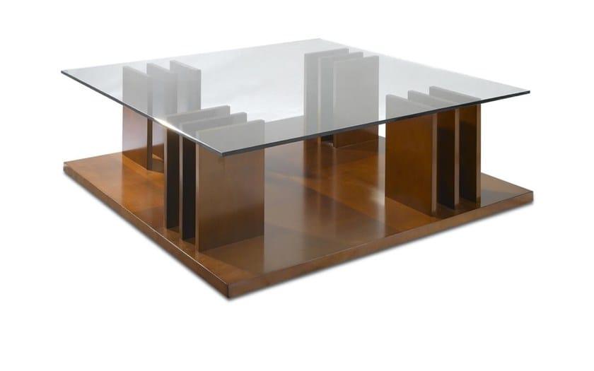 Table basse carr e en bois avec porte revues int gr de for Porte de salon en bois