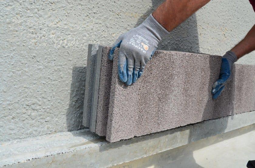 Blocco termico in cls lecablocco murocappotto anpel for Piccola casa costruita su fondamenta