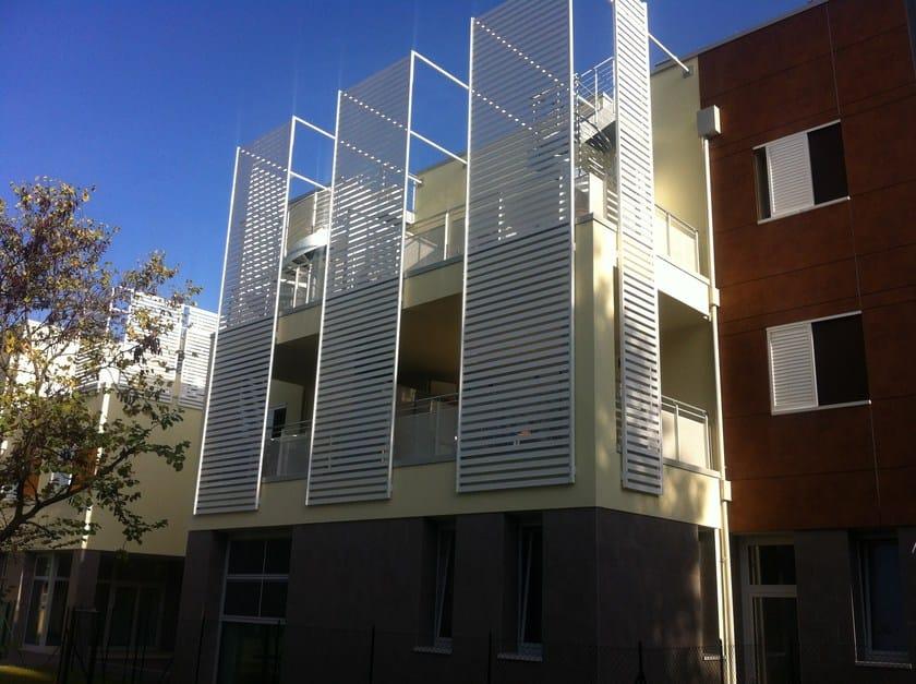 Frangisole orientabile in alluminio frangisole aluscalae for 2 piani di costruzione di edifici in metallo