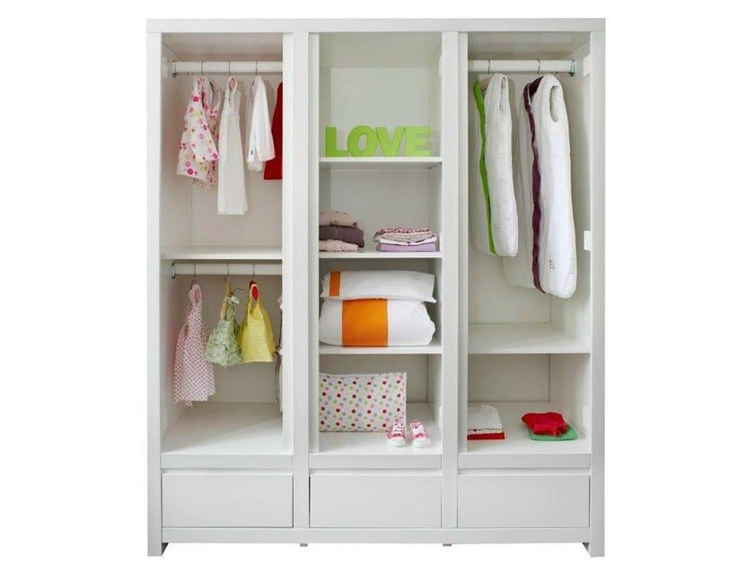 Armoire en bois avec tiroirs pour chambre d 39 enfant laurent for Armoire chambre d enfant