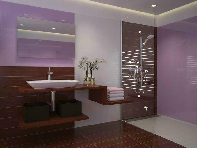 Parete In Vetro Doccia : Parete per doccia in vetro con led inspiration glassolutions
