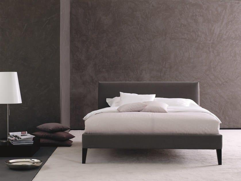 letto imbottito matrimoniale in tessuto gala 18 m lago 1 by schramm werkst tten. Black Bedroom Furniture Sets. Home Design Ideas