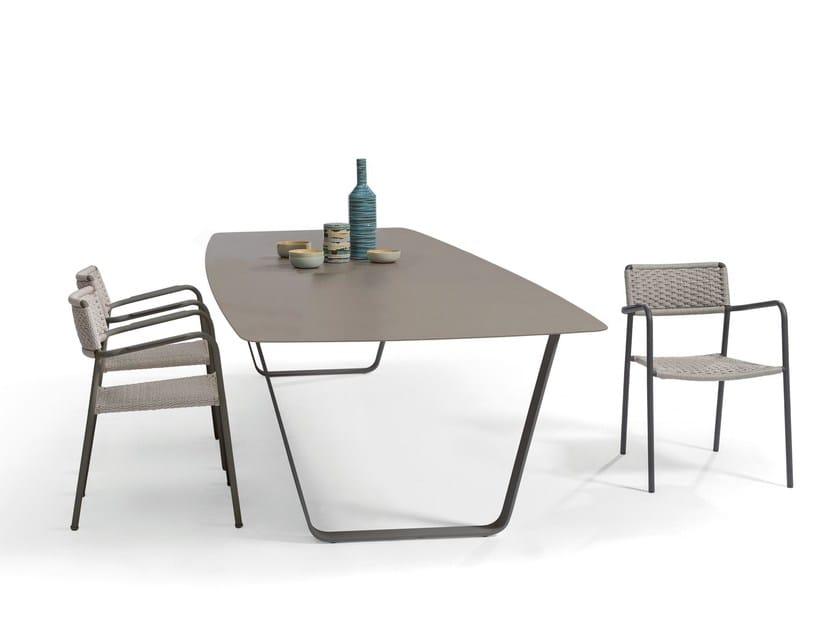 Ceramic garden table AIR | Ceramic table - MANUTTI
