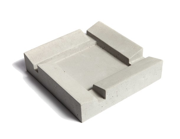 Concrete ashtray FUMI by URBI et ORBI