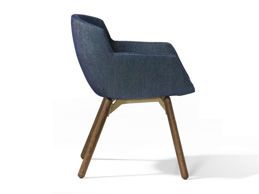 Fabric easy chair with armrests MOOD WOOD by Artifort