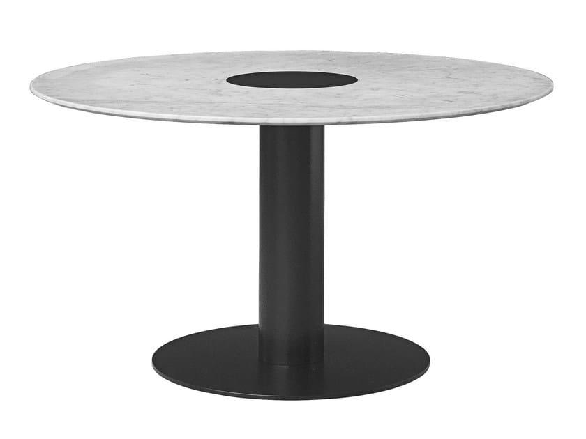 Runder tisch aus marmor gubi table 2 0 by gubi for Tisch aus marmor