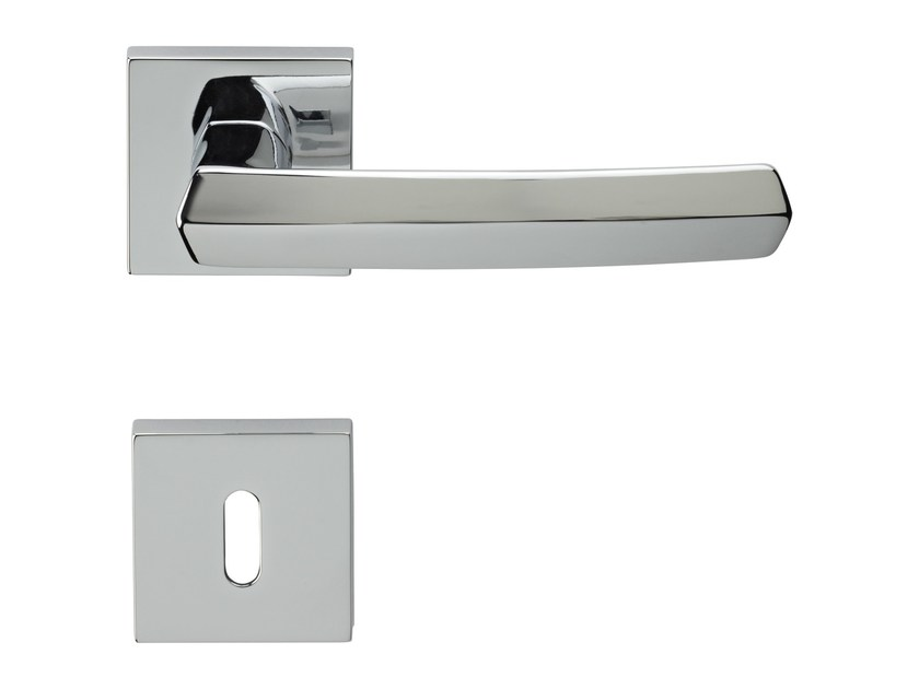 Classic style metal door handle on rose with lock DAFNE | Door handle with lock - LINEA CALI'