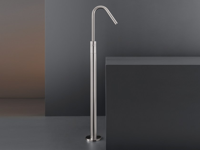 Freestanding hydroprogressive mixer GRADI by Ceadesign
