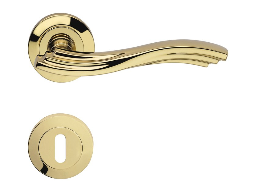 Classic style brass door handle on rose with lock MARINA | Door handle with lock - LINEA CALI'