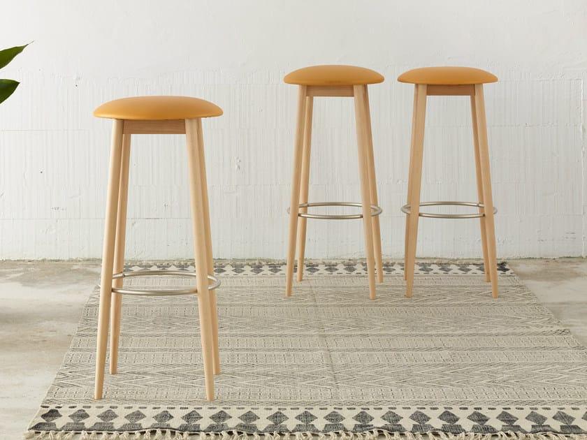 High wooden stool OTO | High stool - ONDARRETA