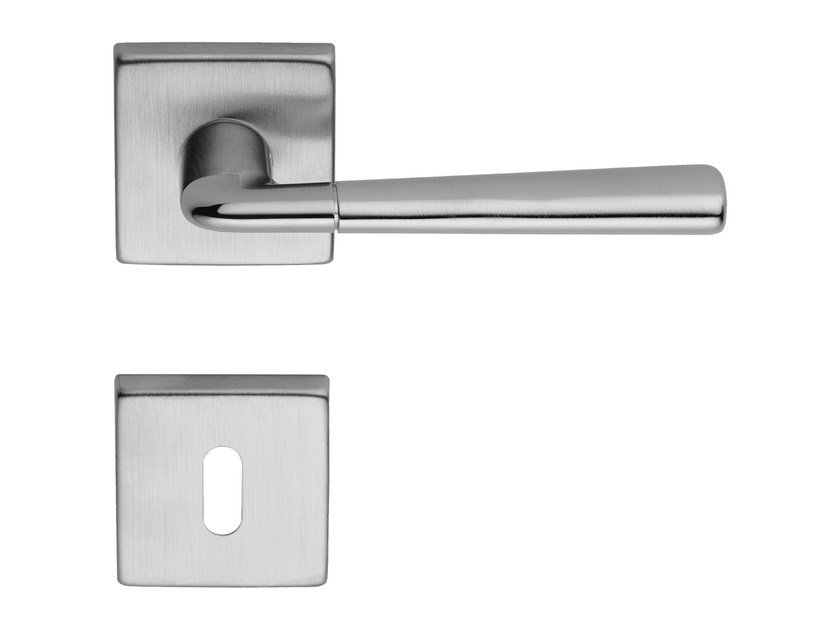 Classic style brass door handle on rose with lock TESS | Door handle with lock - LINEA CALI'