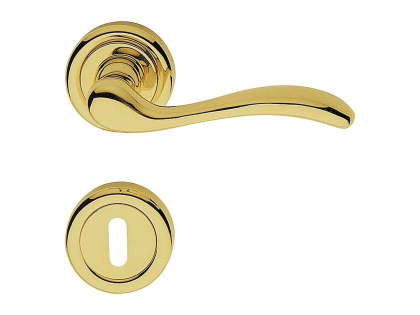 Classic style brass door handle on rose with lock ONDA | Door handle with lock - LINEA CALI'