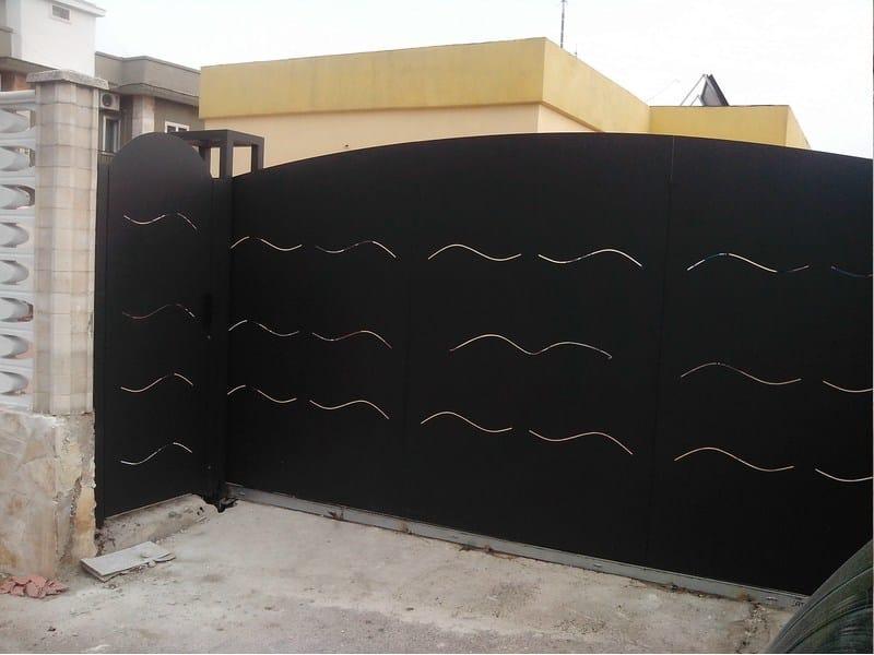 Sliding plate gate Plate gate - CITYSì recinzioni e cancelli taglio laser