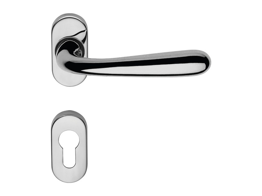 Classic style brass door handle on rose with lock GARDA ZINCRAL | Door handle with lock - LINEA CALI'
