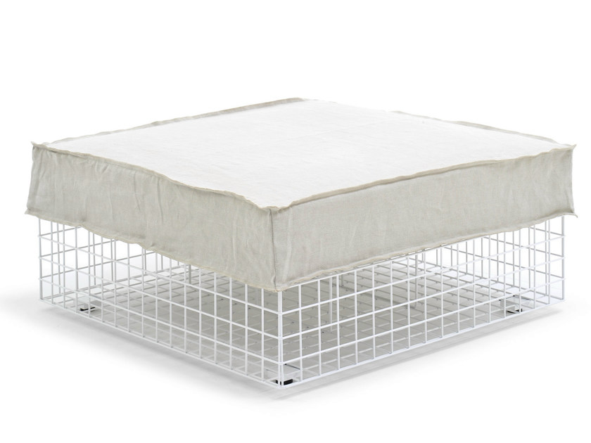 Upholstered steel pouf GRID | Pouf by Varaschin
