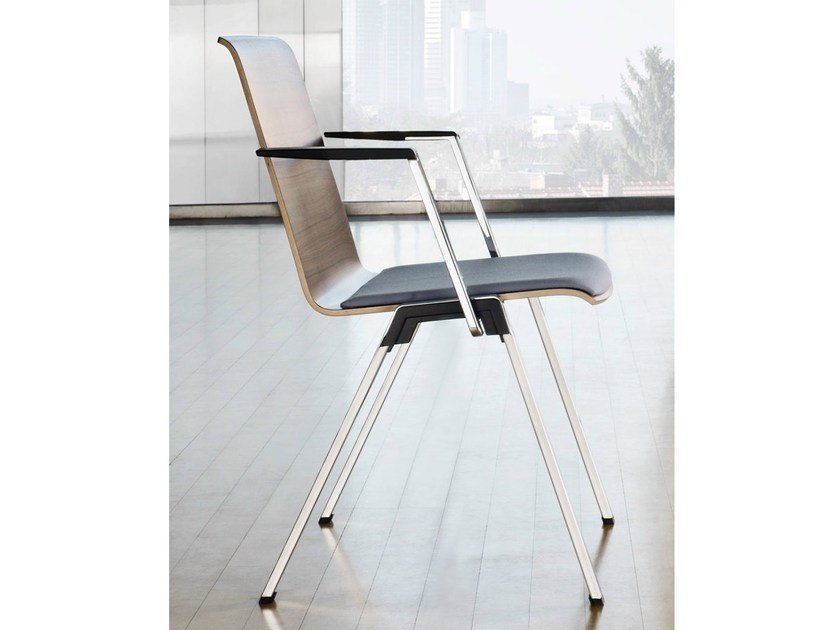Stackable chair with armrests PUBLICA | Reception chair - König + Neurath
