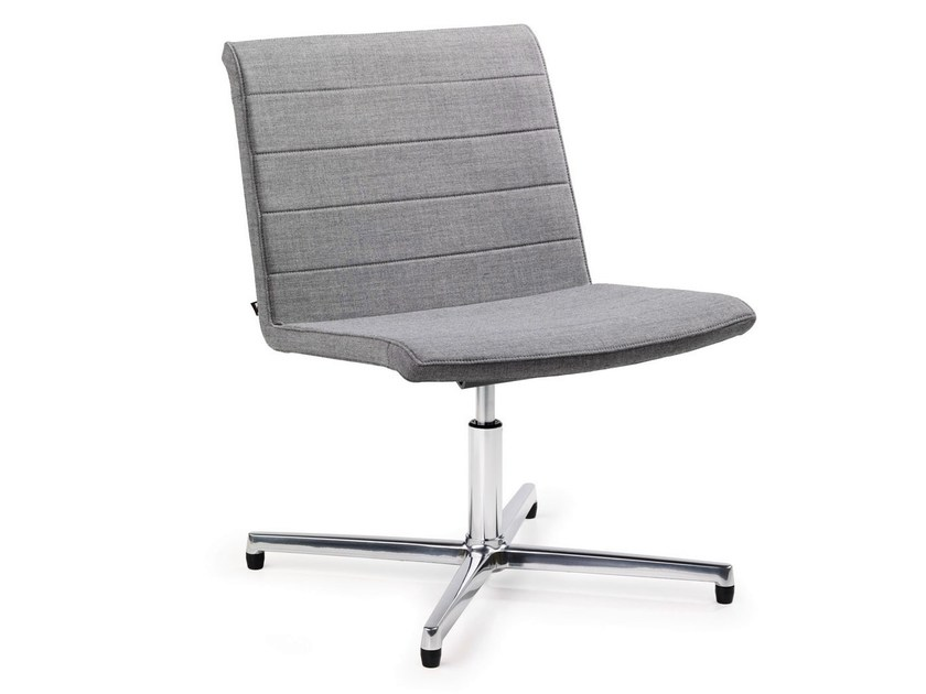 Upholstered reception chair with 4-spoke base PUBLICA - König + Neurath