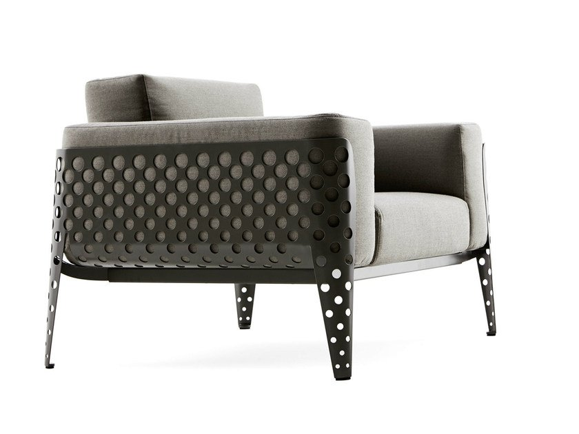 Upholstered armchair with armrests POIS | Armchair by Varaschin