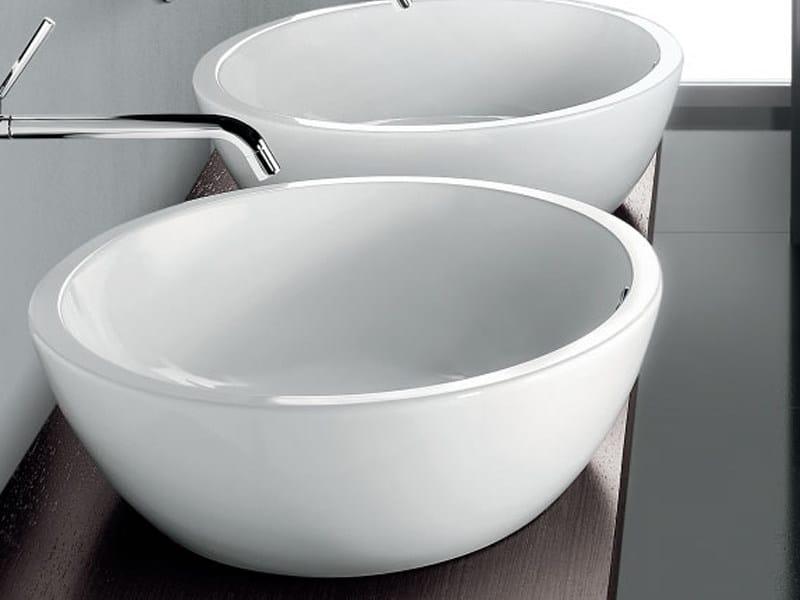 Design countertop ceramic washbasin OVAL BASIN - A. e T. Italia