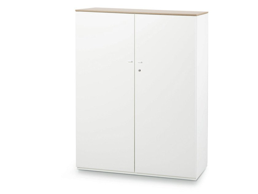 Tall office storage unit with hinged doors ACTA PLUS - König + Neurath