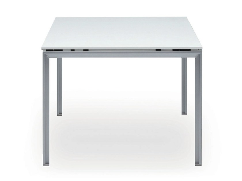 Rectangular workstation desk DO IT.4 | Office desk - König + Neurath