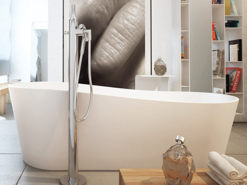 Corian® bathtub PROVENCE LITE 3 by MOMA Design