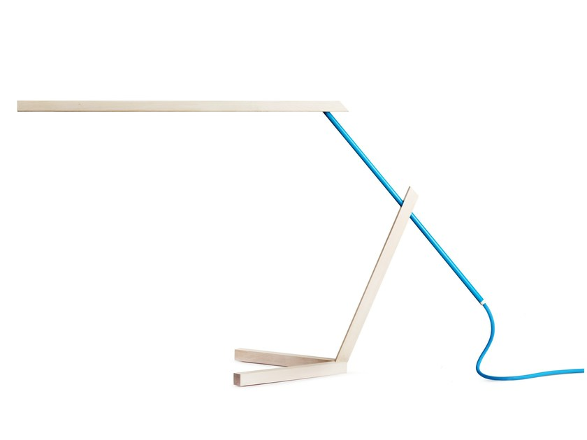 LED direct light maple table lamp MANTIS - VERTIGO BIRD