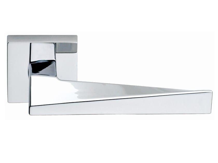 Brass door handle on rose polished chrome SWEEP | Door handle by Frascio