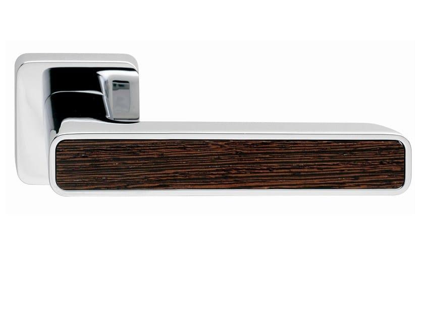 Zamak door handle on rose INNER WOOD | Door handle - Frascio