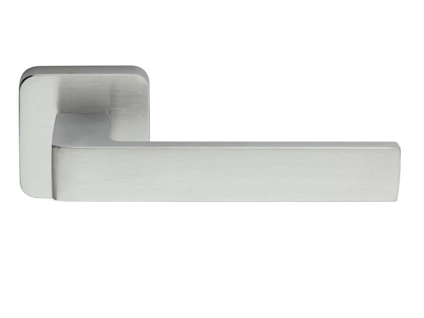 Zamak door handle on rose satin chrome ICE Q | Door handle - Frascio