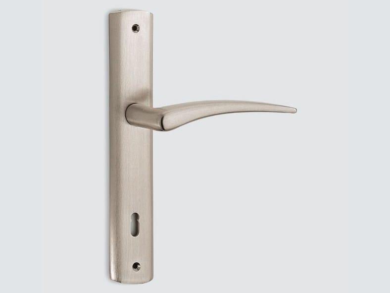 Brass door handle on back plate HALLEY | Door handle on back plate - Frascio