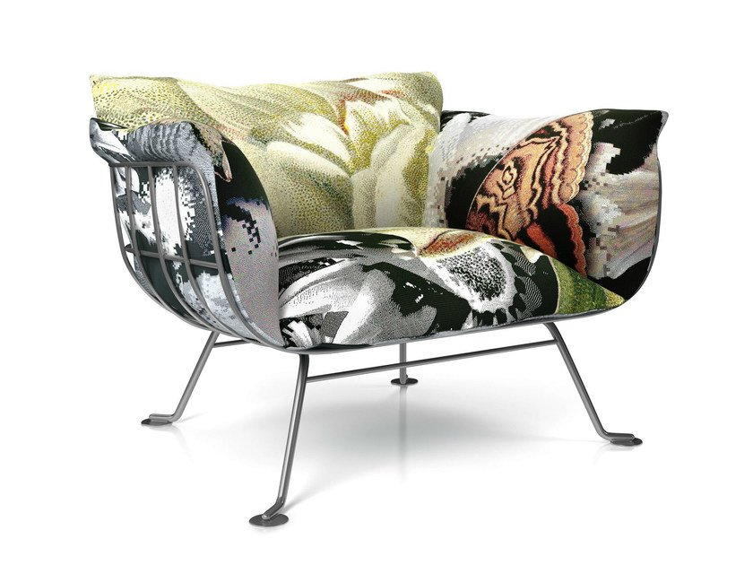 Upholstered armchair with armrests NEST CHAIR - Moooi©