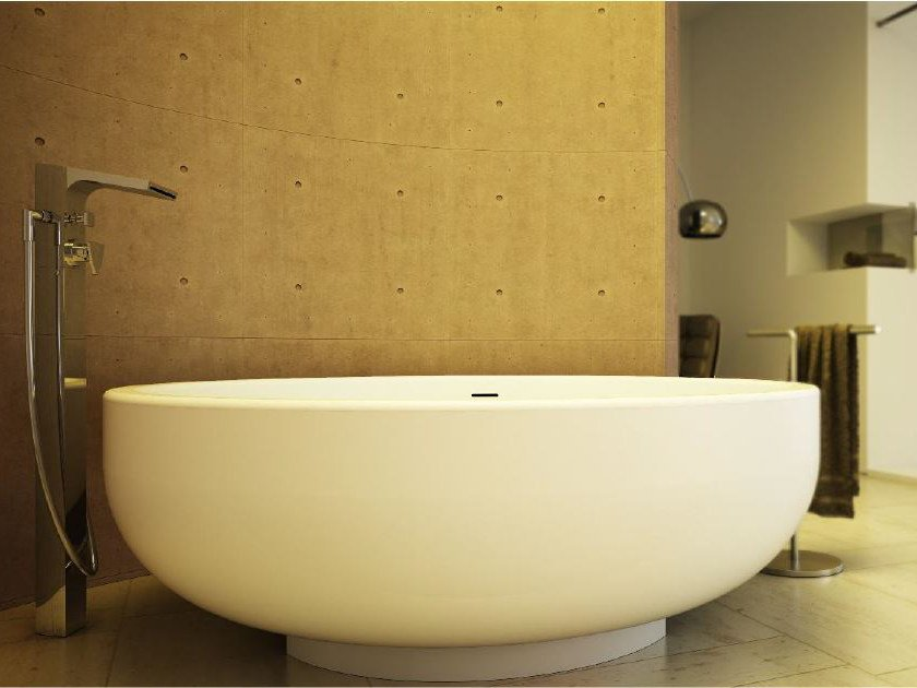 Round bathtub GOLD TUB - DIMASI BATHROOM by Archiplast