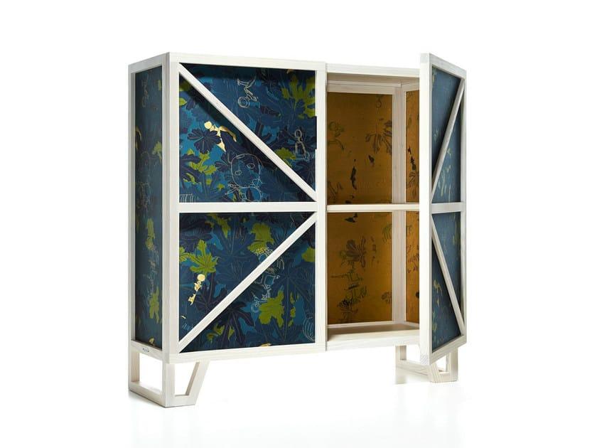 Highboard with doors TUDOR LOW CUPBOARD - Moooi©