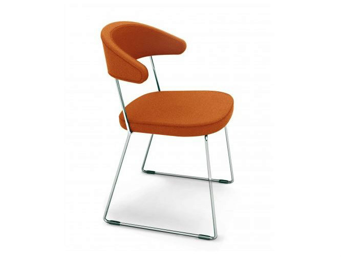 Sled base stackable reception chair FUEGO - Castellani.it