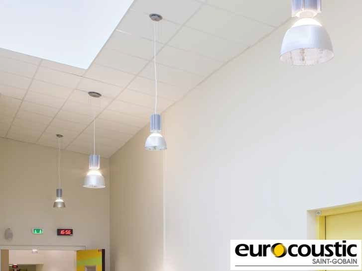 Faux plafond acoustique en laine de roche altes by saint for Faux plafond acoustique