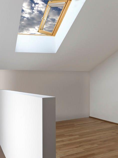 Finestra da tetto a battente in legno lamellare side claus for Finestra da tetto