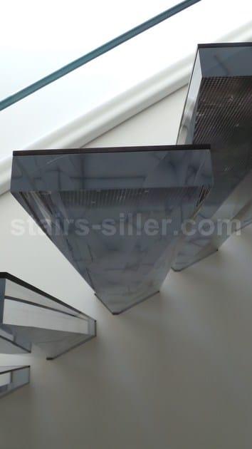 escalera volada de vidrio acrlico stairs in acrylic escalera volada de vidrio acrlico by