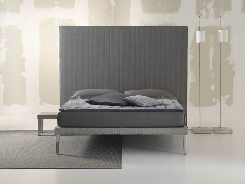 Double bed with tufted headboard EBRIDI | Bed with tufted headboard by horm