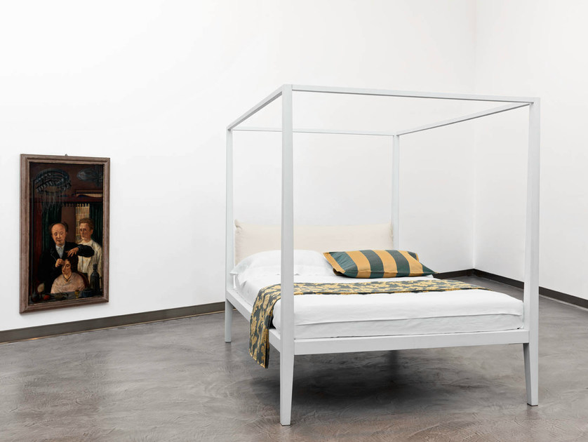 Canopy bed with upholstered headboard MOHELI | Canopy bed - Orizzonti Italia