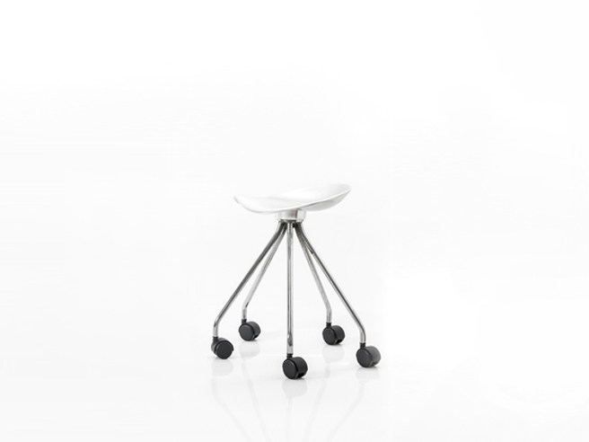 Low aluminium stool with casters JAMAICA | Stool with casters - BD Barcelona Design