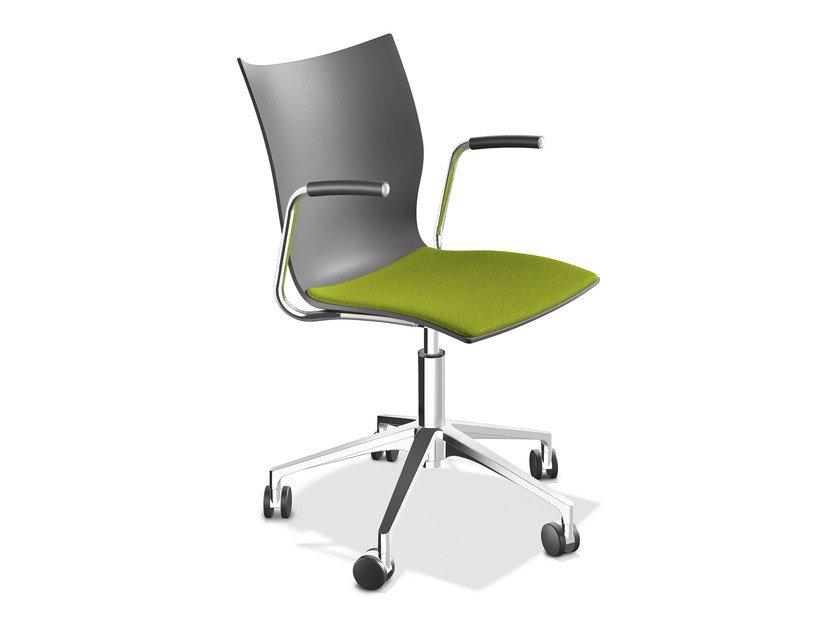 Chair with 5-spoke base with armrests ONYX IV | Chair with armrests - Casala