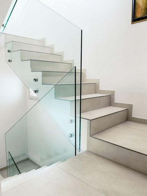 Porcelain stoneware staircase cladding by dsg ceramiche - Escaleras de gres ...