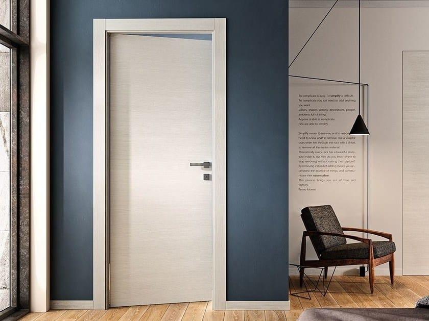 To left, hinged door, mod. VILIA 1L, ice elm. Area51 handle, satin finish chrome.