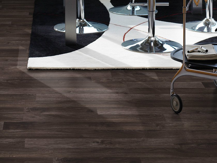 Laminate flooring with wood effect DARK BROWN OAK 3-STRIP - Pergo