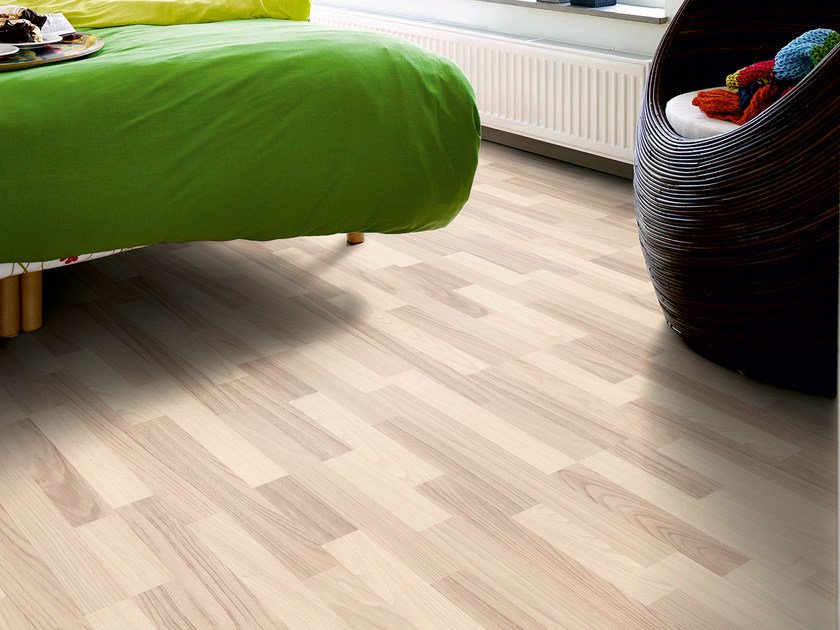 Laminate flooring with wood effect NORDIC WHITE ASH 3-STRIP - Pergo