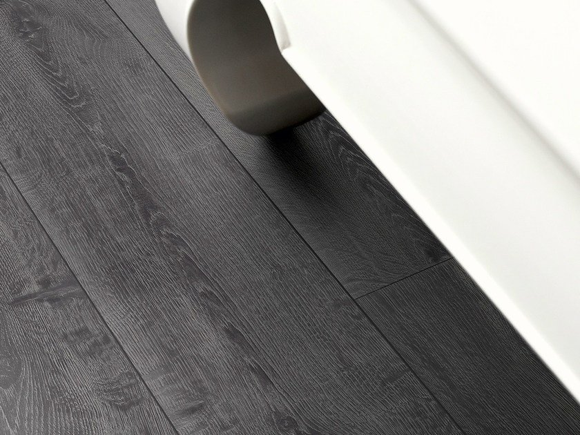 Laminate flooring with wood effect MIDNIGHT OAK - Pergo