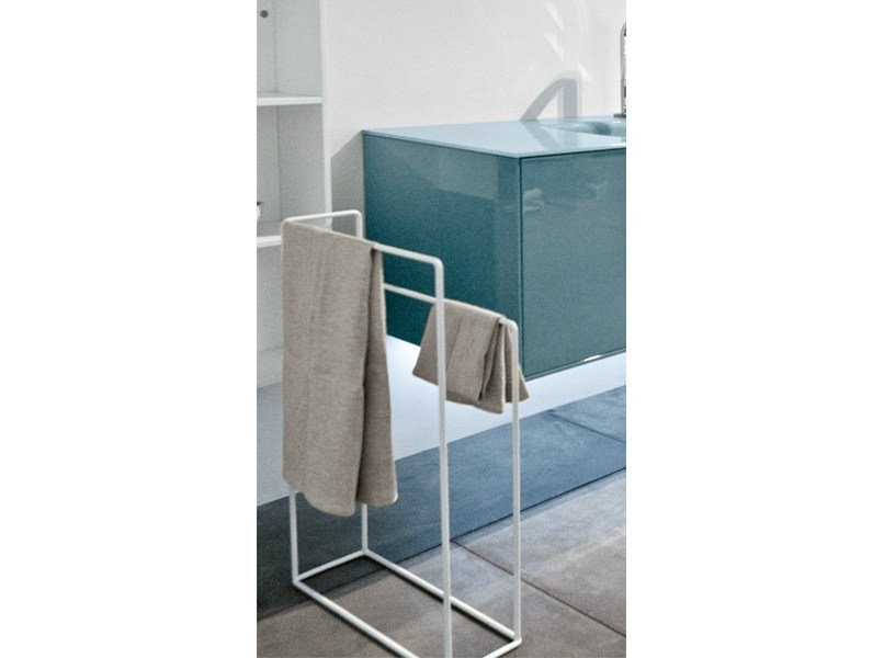 Porta asciugamani da terra in metallo collezione filo by for Porta asciugamani da terra