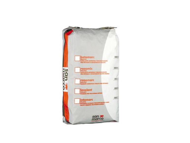 Anticontraction levelling agent for plastering BETOMARC - Colorificio San Marco