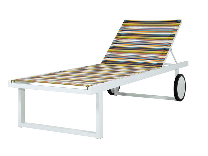 Contemporary style Recliner aluminium garden daybed with Casters STRIPE Lounger by MAMAGREEN